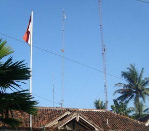 Menara wifi kembar... semangat sekali membangun jaringan online